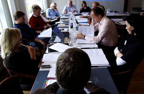 Menighedsrådsmøde i Veksø