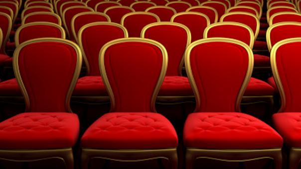 Højtlæsning og film for de små