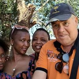 Den enoghalvfjerdsårige der læste en bog om Afrika og forsvandt - Foredrag v/ Holger Clemmen.