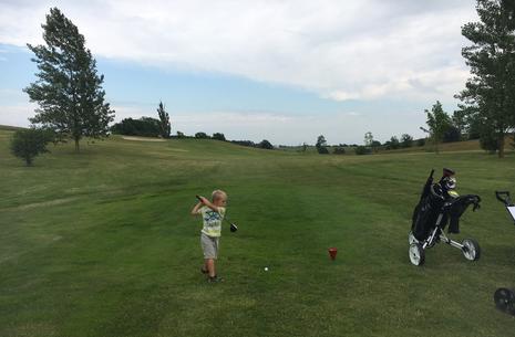 Feriesjov i skolesommerferien - Prøv at spille golf for Egedal skolebørn