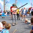 Sommerleg på havnen i Skælskør