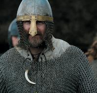 Bueskydning, møntslagning og snittearbejde på Ribe VikingeCenter