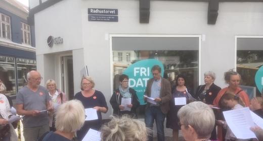 Syng Randers Rundt - sightseeing med fællessang i midtbyen