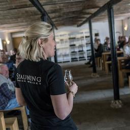 Stauning Whisky Experience (på tysk).
