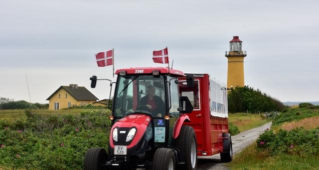 Med traktorbussen Omø rundt