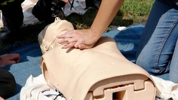 Førstehjælpsopdatering og Akutte/Kritiske tilstande i Klinikken