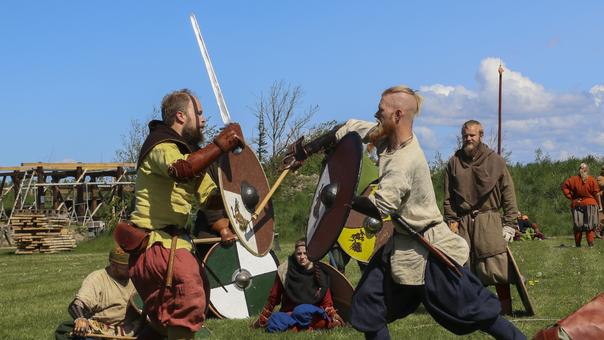 Supersjovt rollespil i vikingelandsbyen i Bork
