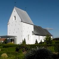 Vi henviser til gudstjeneste i Skrydstrup kirke