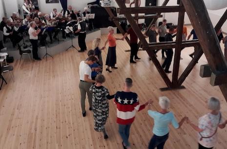 Åben danseaften hos Farum Folkedansere