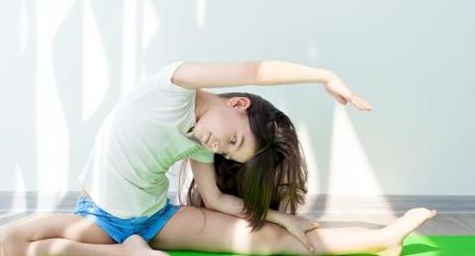 AOF: Familie yoga med børn fra 7 år