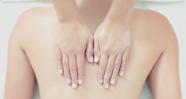 Book en massage med Nadja Steinbach
