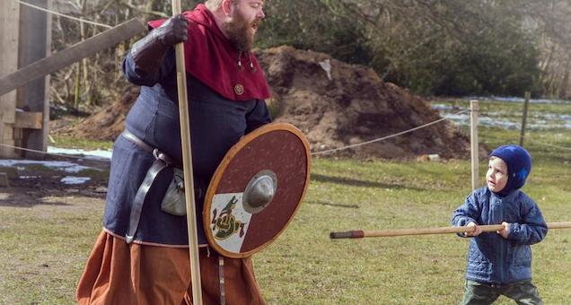 Folkefest i Jelling: Vikinger over grænsen