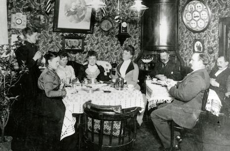 Udstilling: Familiens valg - tre familier i Haderslev 1920